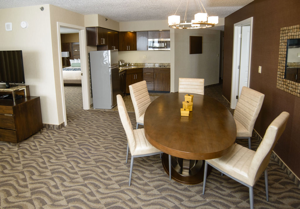 5 Star Owner Two-Bedroom Suite - Living & Dining Area